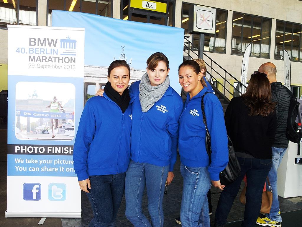 die Teamleiter der Promotionagentur auf der Marathon Messe für den 40. BMW Berlin Marathon 2013