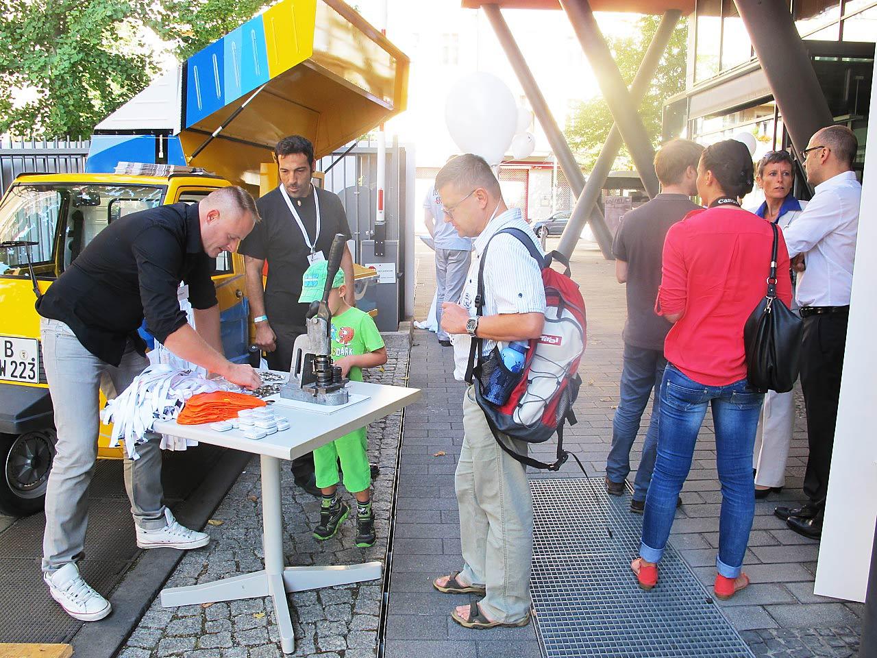 das Infomobil und unser Promotionteam am Tag der offenen Tür am 24./25.08.2013 im Bundesministerium für Bildung und Forschung
