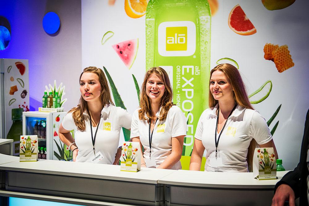Promoterinnen für das Lifestyle-Getränk ALO